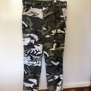 Men's black, white and grey camouflage pants